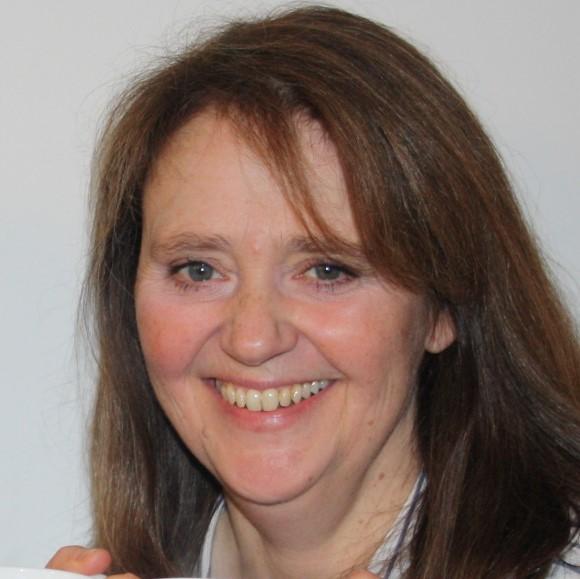 Dr Lynda Rigley